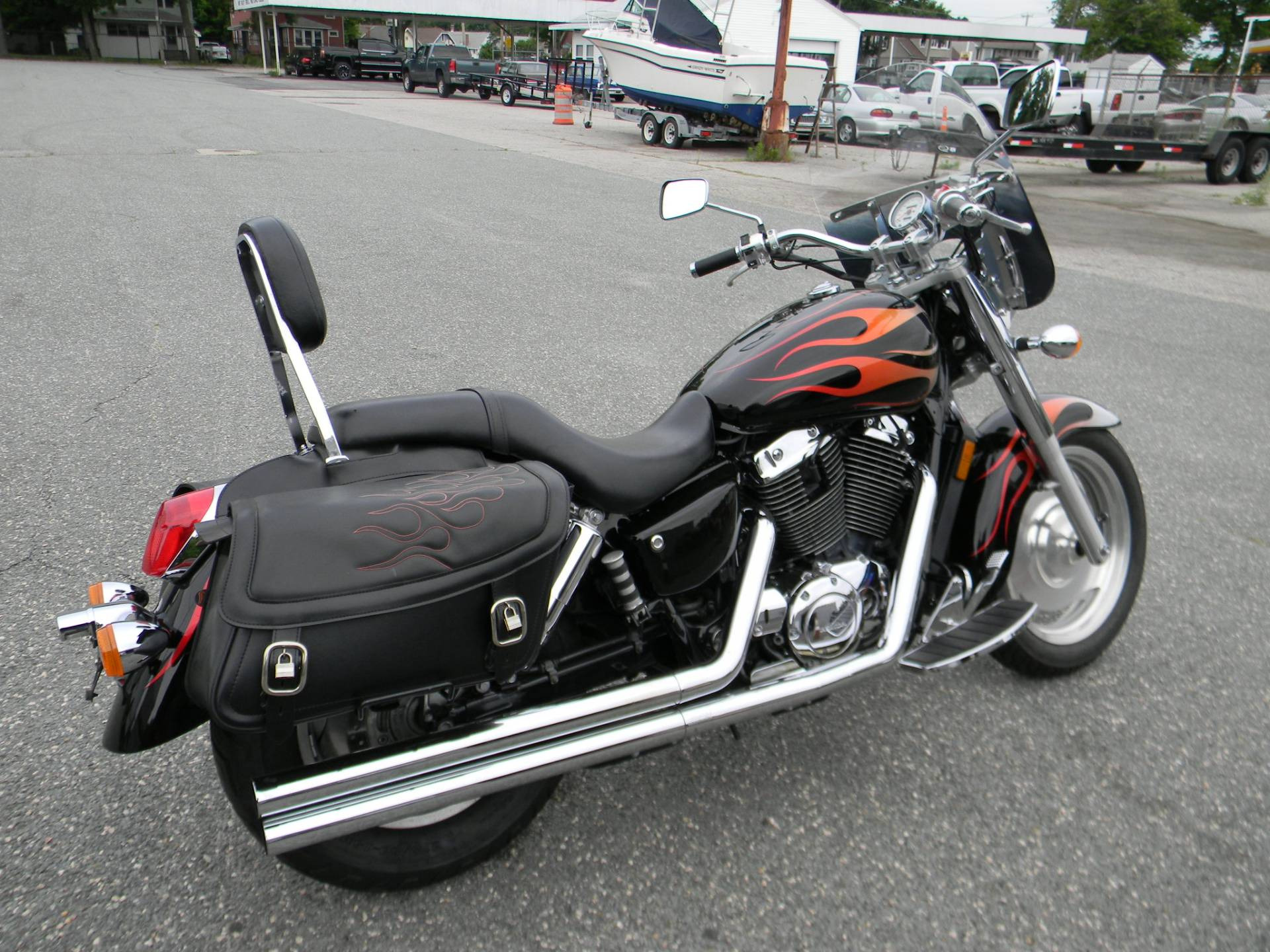 2005 Honda Shadow Sabre™ 1100 in Springfield, Massachusetts - Photo 3