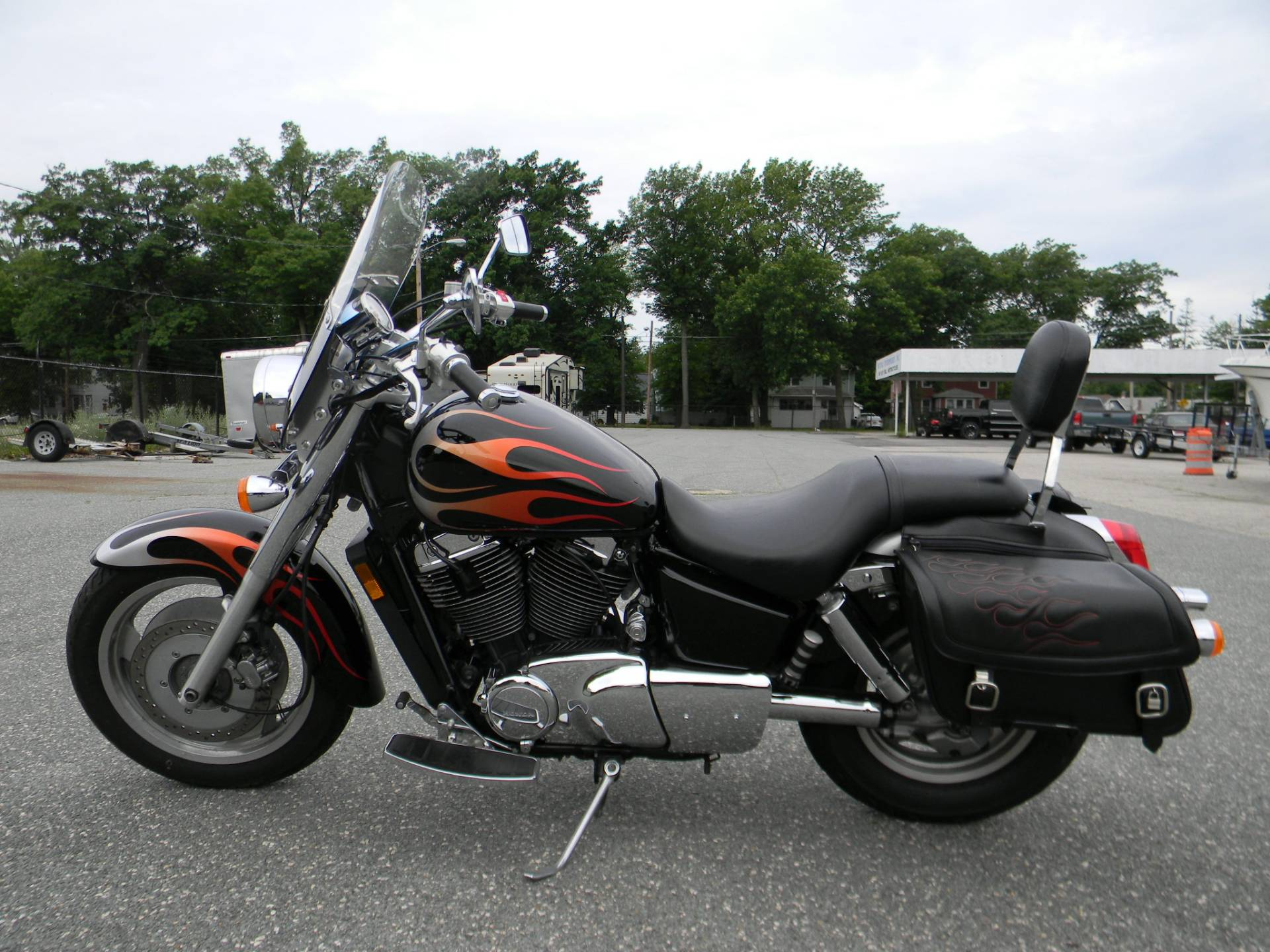 2005 Honda Shadow Sabre™ 1100 in Springfield, Massachusetts - Photo 6