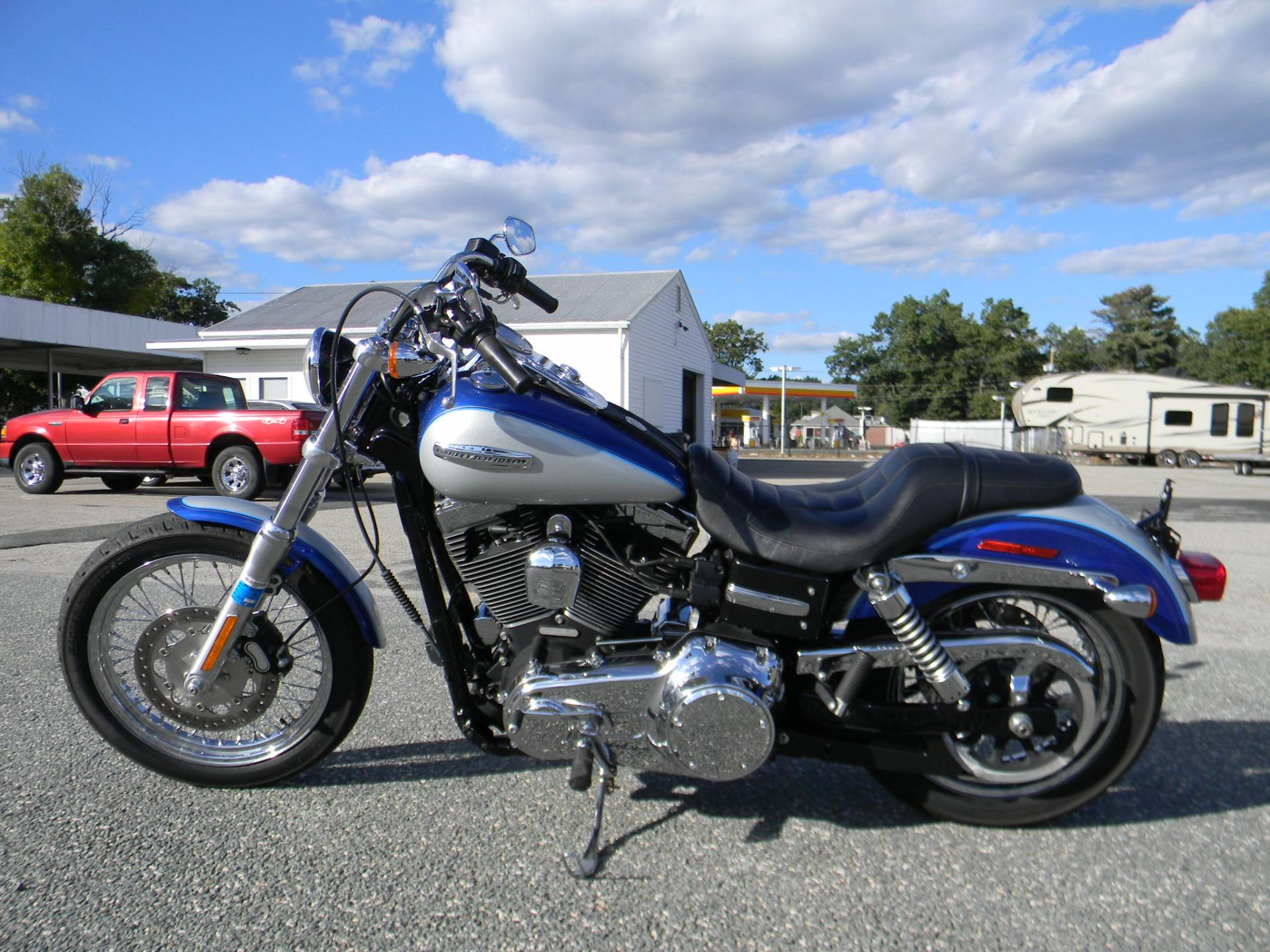 2010 Harley-Davidson Dyna® Super Glide® Custom in Springfield, Massachusetts - Photo 5