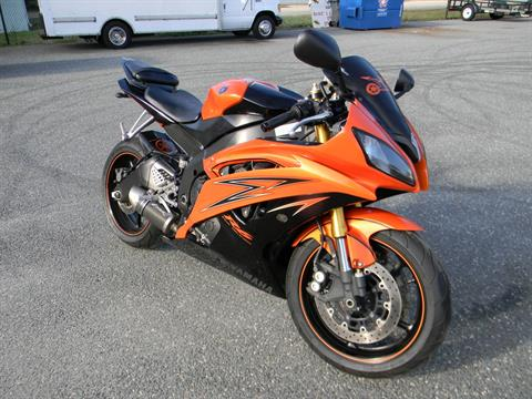 2009 Yamaha YZF-R6 in Springfield, Massachusetts - Photo 2
