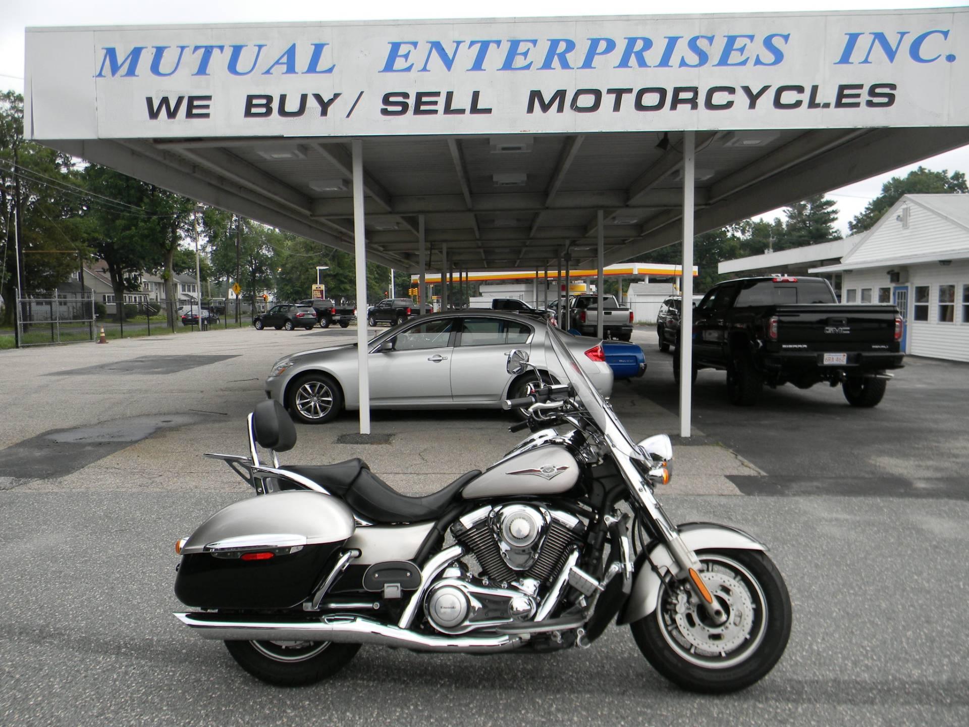 2010 Kawasaki Vulcan® 1700 Nomad™ Motorcycles Springfield ...