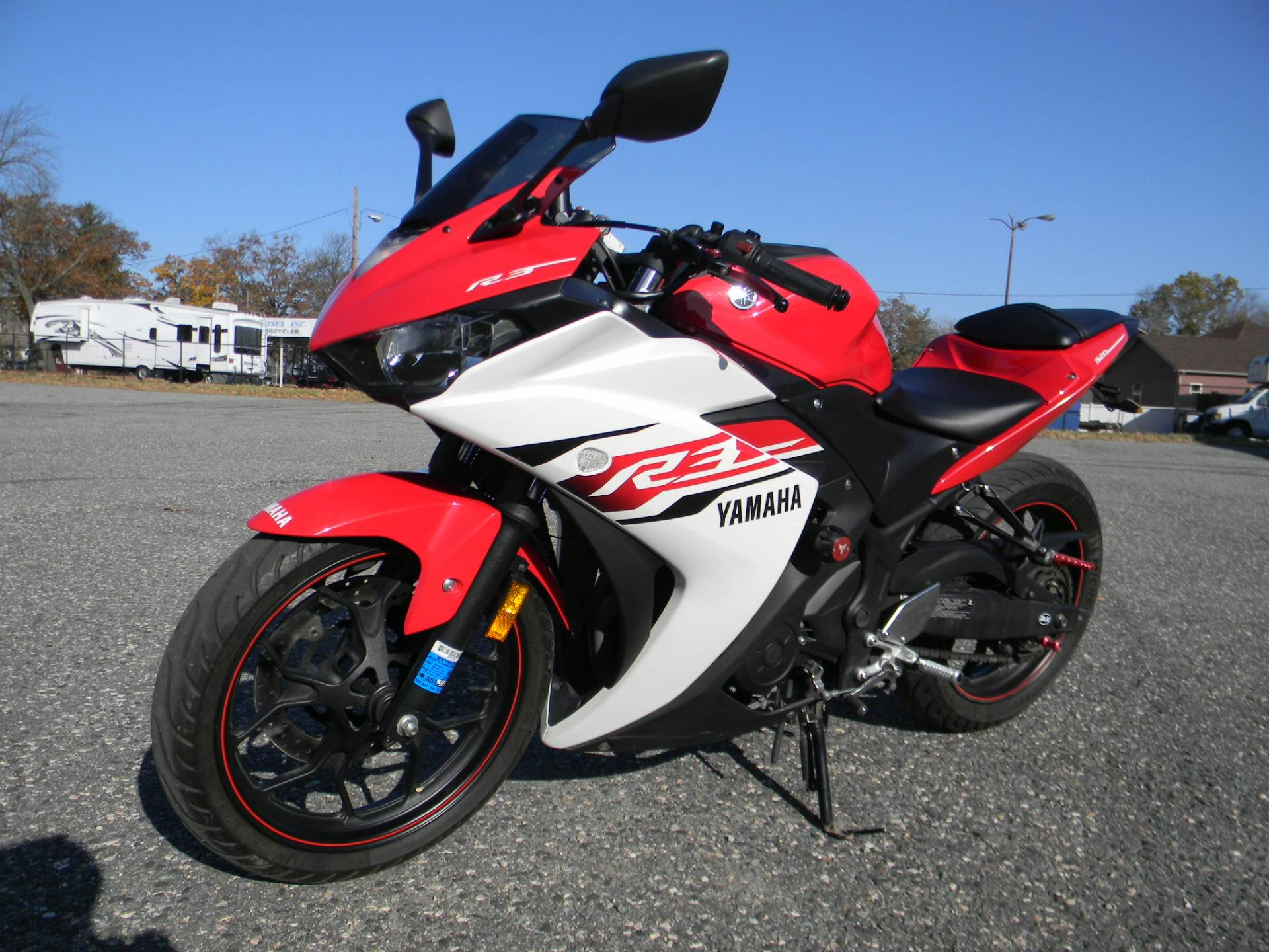2015 Yamaha YZF-R3 in Springfield, Massachusetts - Photo 4