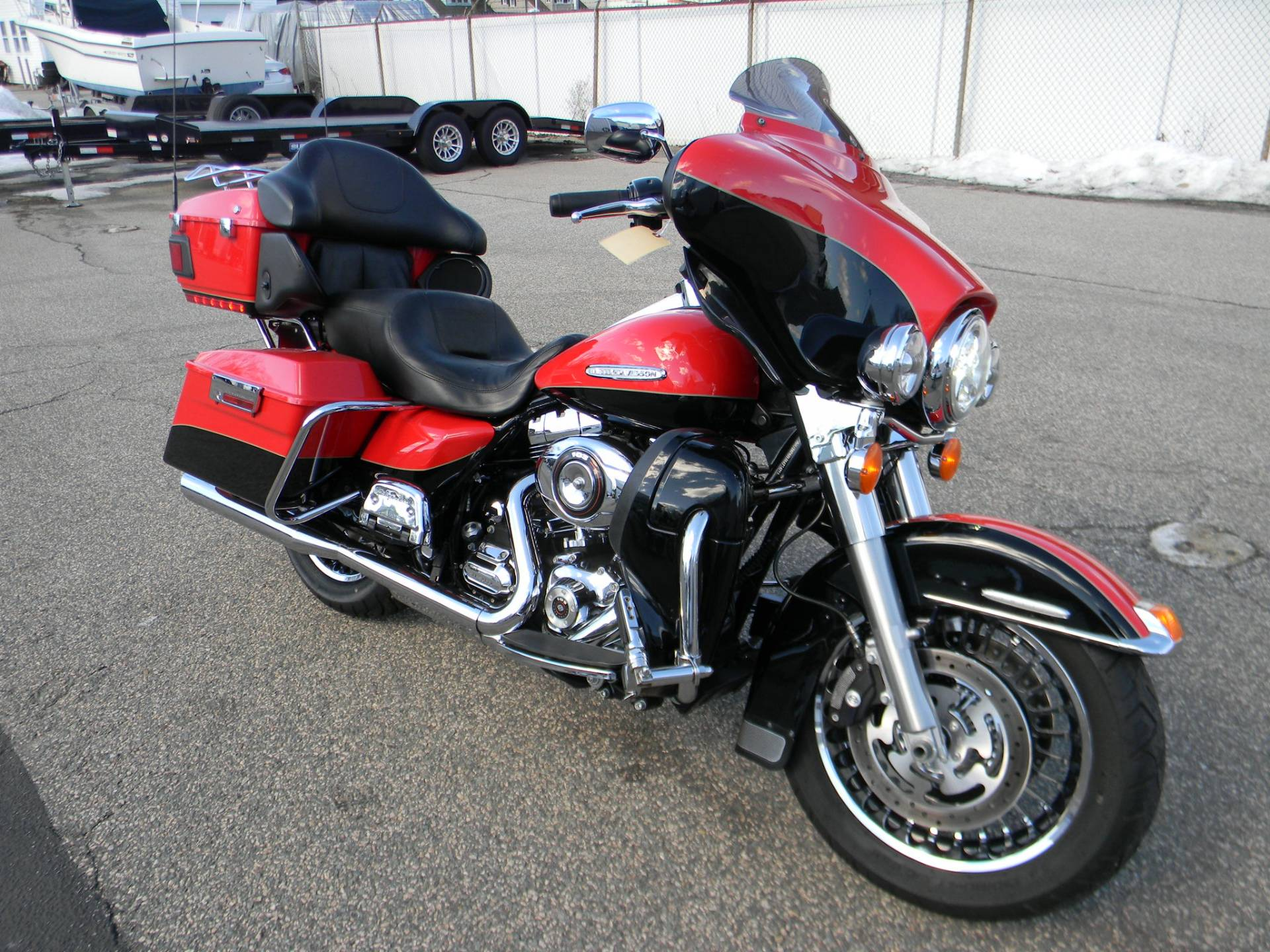 2010 Harley-Davidson Electra Glide® Ultra Limited in Springfield, Massachusetts - Photo 2