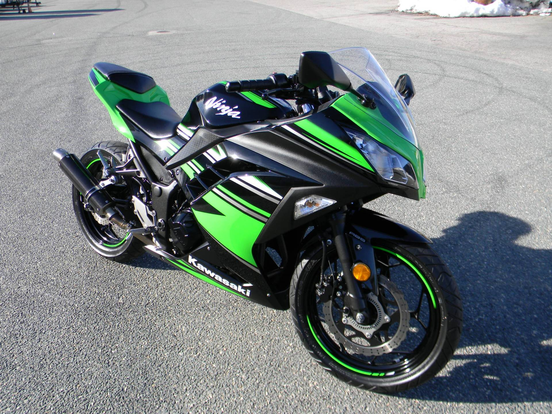 2016 Kawasaki Ninja 300 ABS KRT Edition in Springfield, Massachusetts - Photo 2