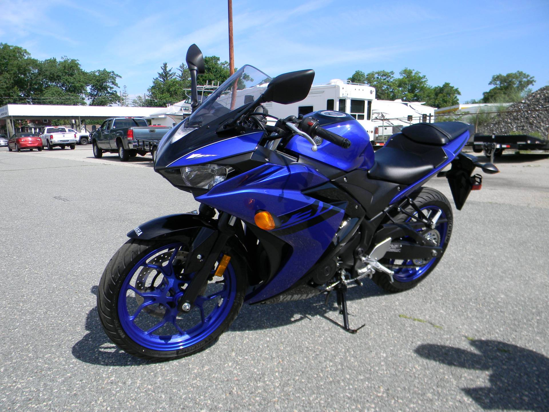 2018 Yamaha YZF-R3 in Springfield, Massachusetts - Photo 4