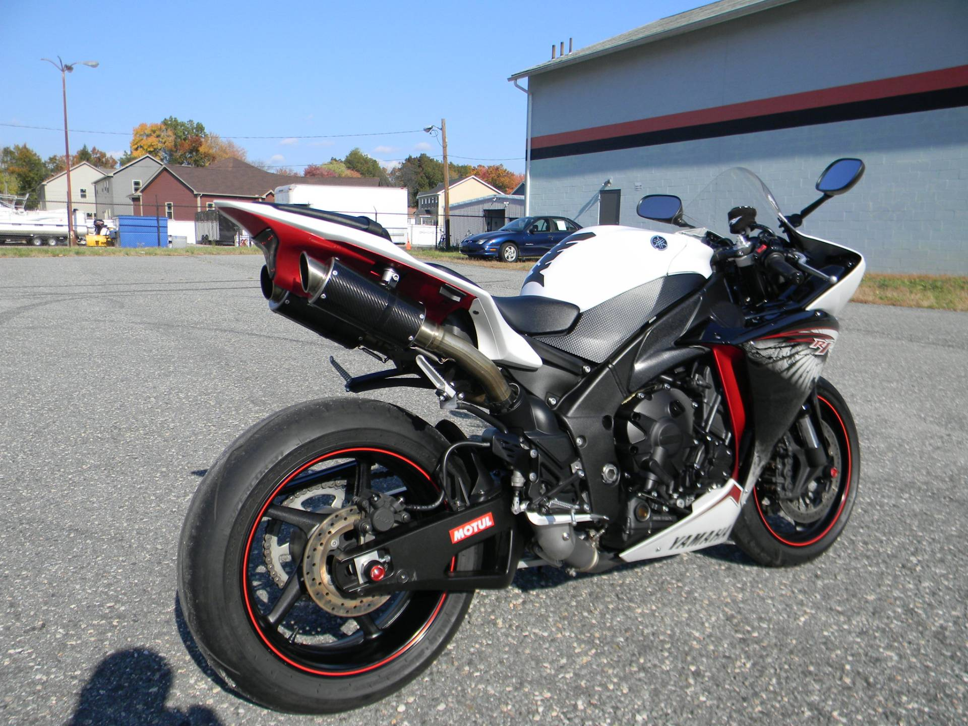 2012 Yamaha YZF-R1 in Springfield, Massachusetts - Photo 3