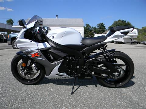 2015 Suzuki GSX-R600 in Springfield, Massachusetts - Photo 6