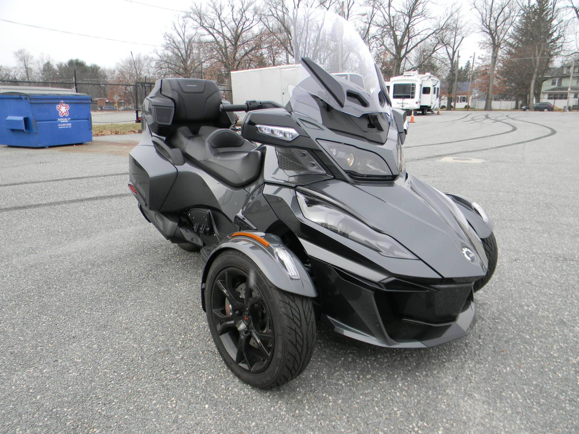 2019 Can-Am Spyder RT Limited in Springfield, Massachusetts - Photo 2
