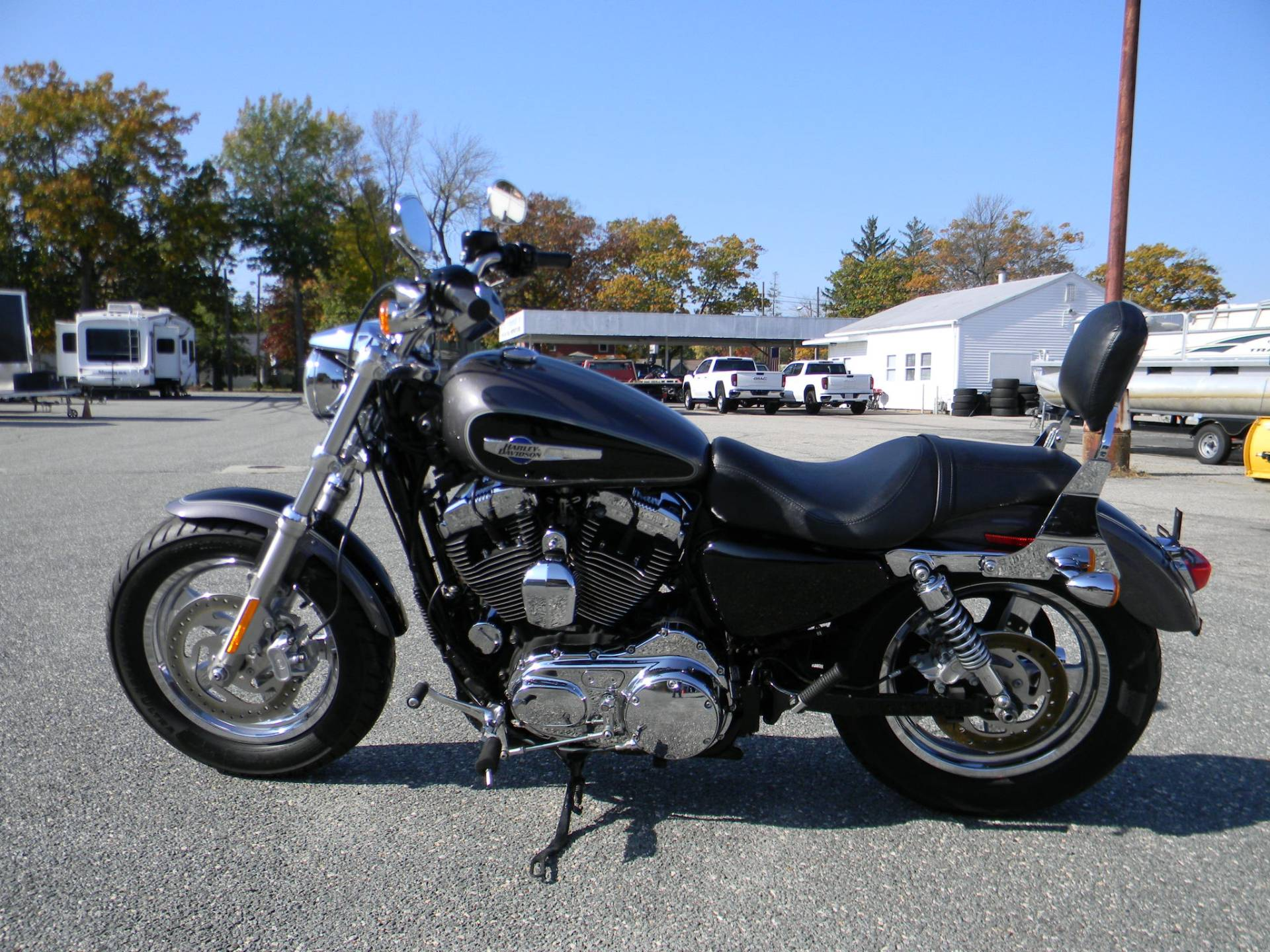 2014 Harley-Davidson 1200 Custom in Springfield, Massachusetts - Photo 5