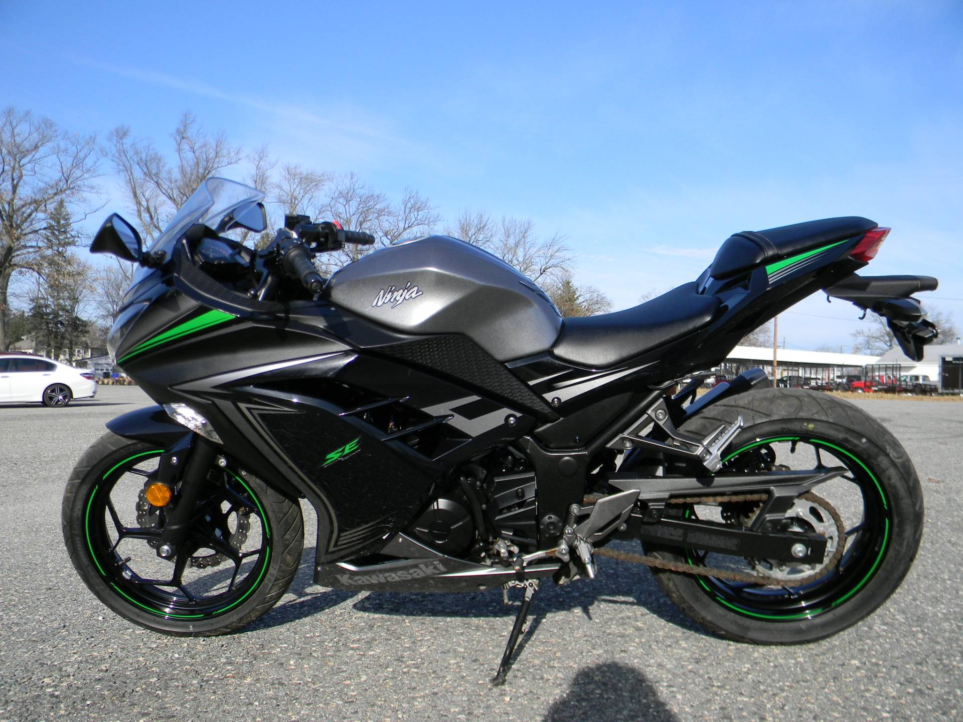 2015 Kawasaki Ninja® 300 SE in Springfield, Massachusetts - Photo 6