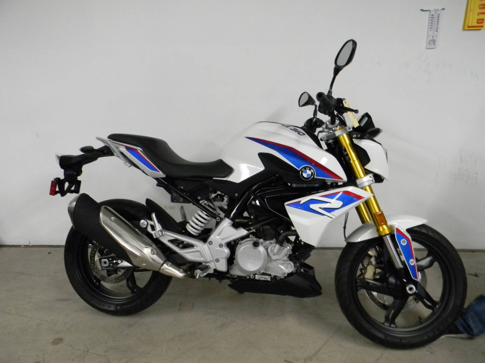 2018 BMW G 310 R in Springfield, Massachusetts - Photo 1
