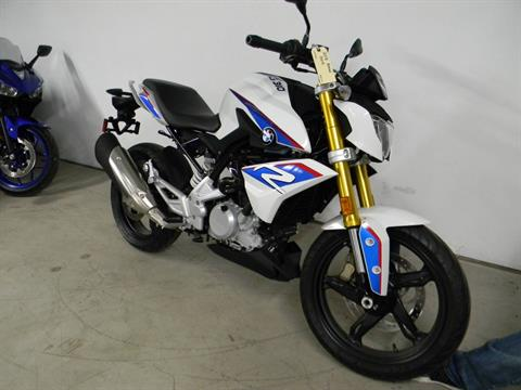 2018 BMW G 310 R in Springfield, Massachusetts - Photo 2