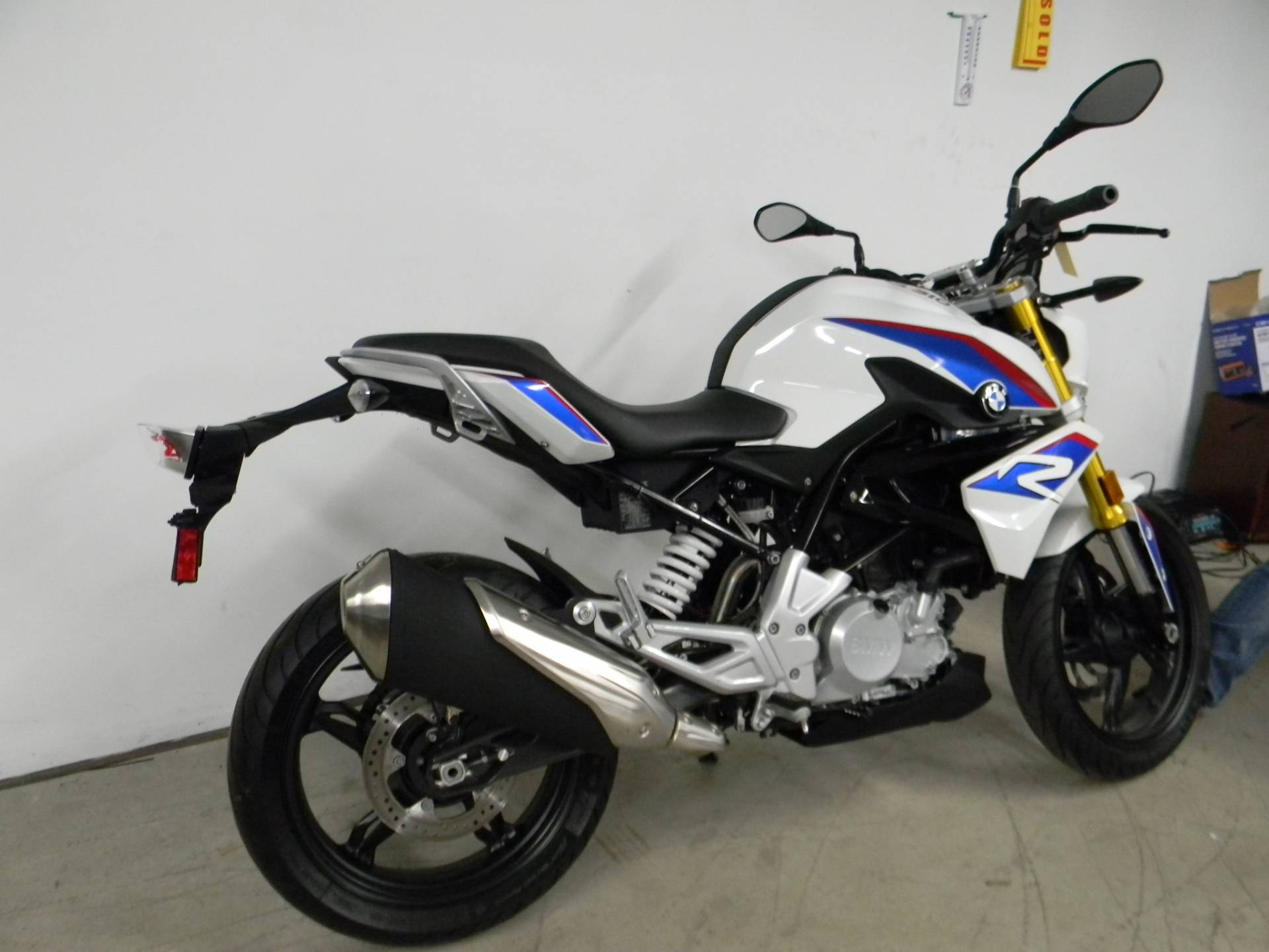 2018 BMW G 310 R in Springfield, Massachusetts - Photo 3