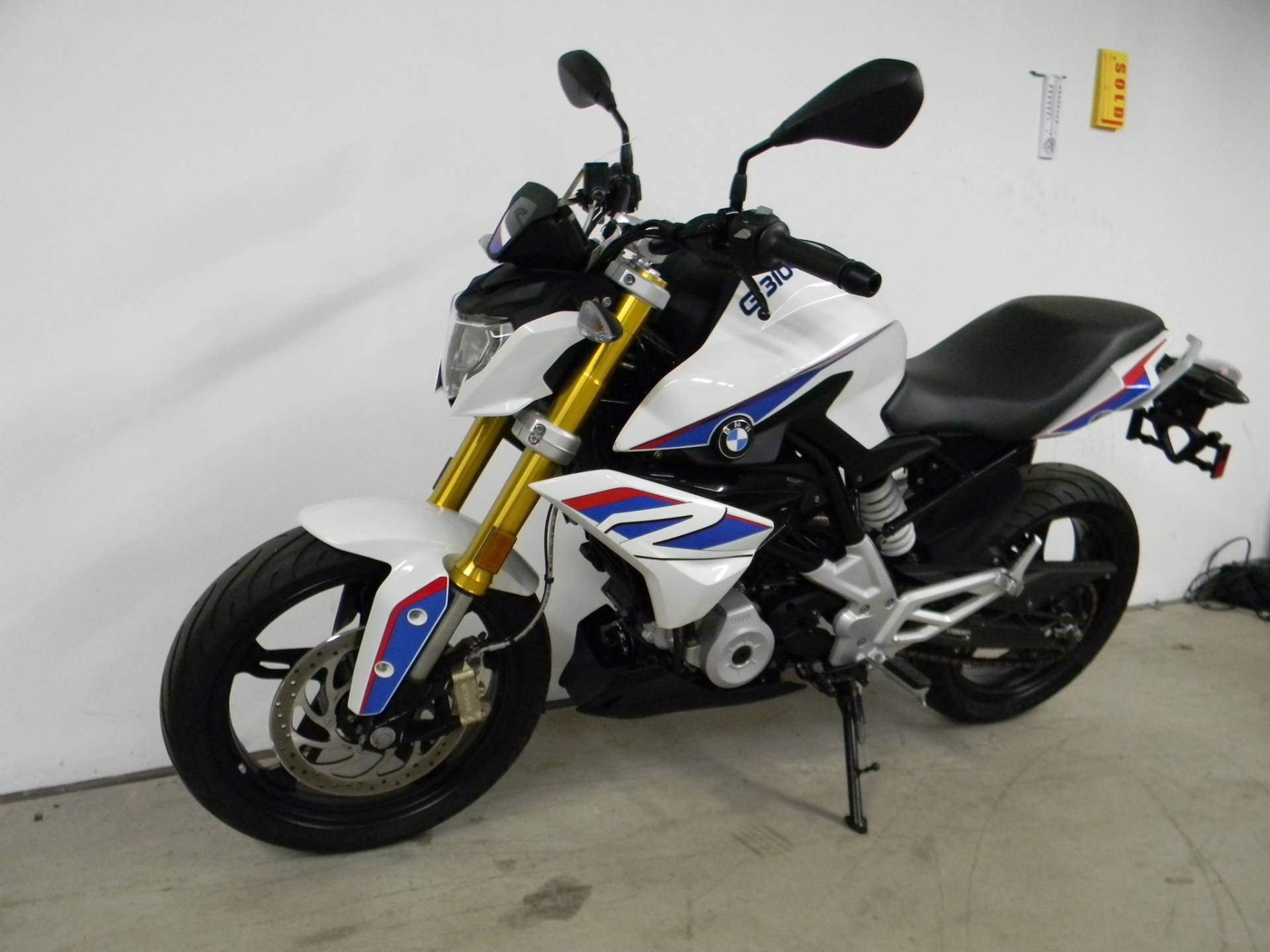 2018 BMW G 310 R in Springfield, Massachusetts - Photo 5