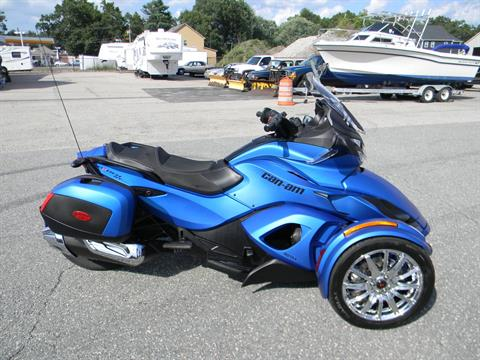 2015 Can-Am Spyder® ST Limited in Springfield, Massachusetts