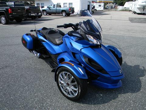 2015 Can-Am Spyder® ST Limited in Springfield, Massachusetts - Photo 2