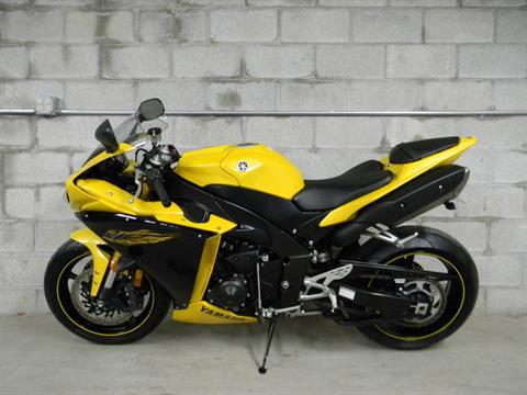 2009 Yamaha YZFR1 in Springfield, Massachusetts