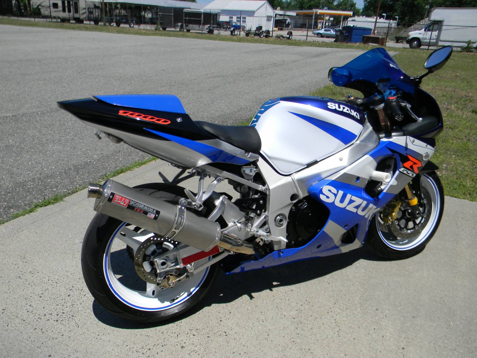 2002 Suzuki GSX-R1000 in Springfield, Massachusetts