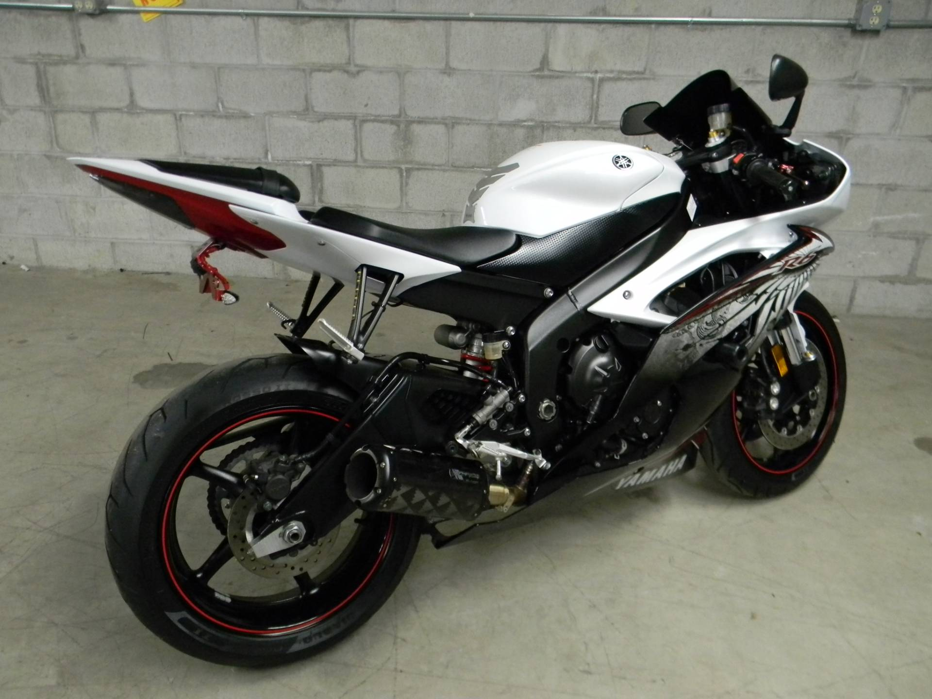 2012 Yamaha YZF-R6 in Springfield, Massachusetts - Photo 3