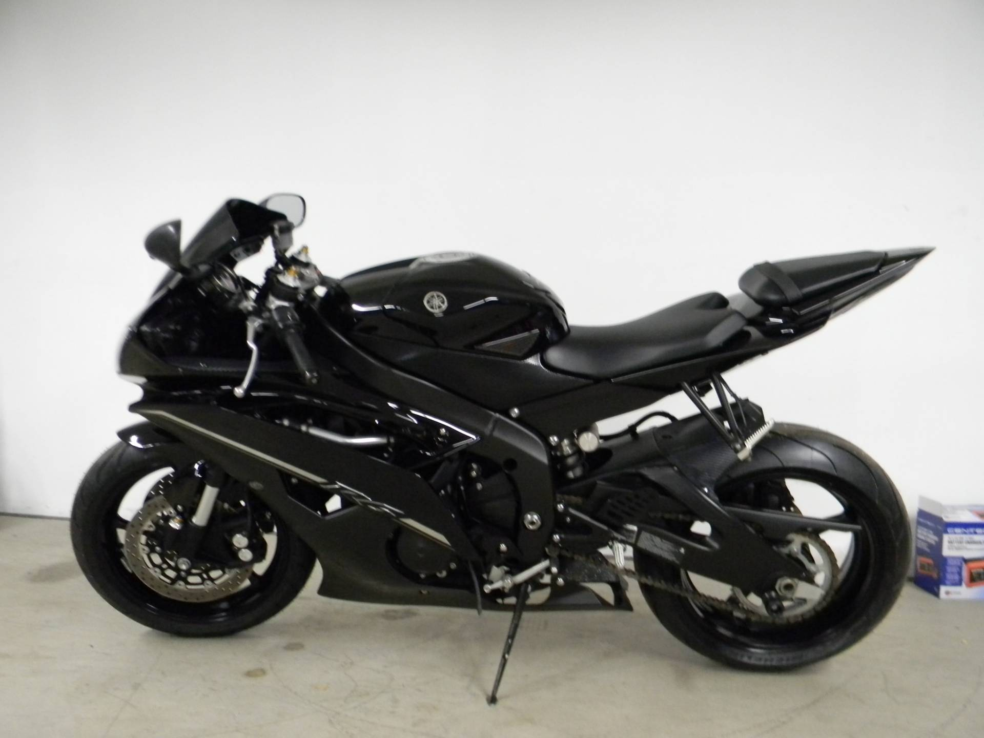 2012 Yamaha YZF-R6 in Springfield, Massachusetts - Photo 5