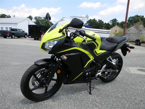 2016 Honda CBR300R in Springfield, Massachusetts - Photo 5