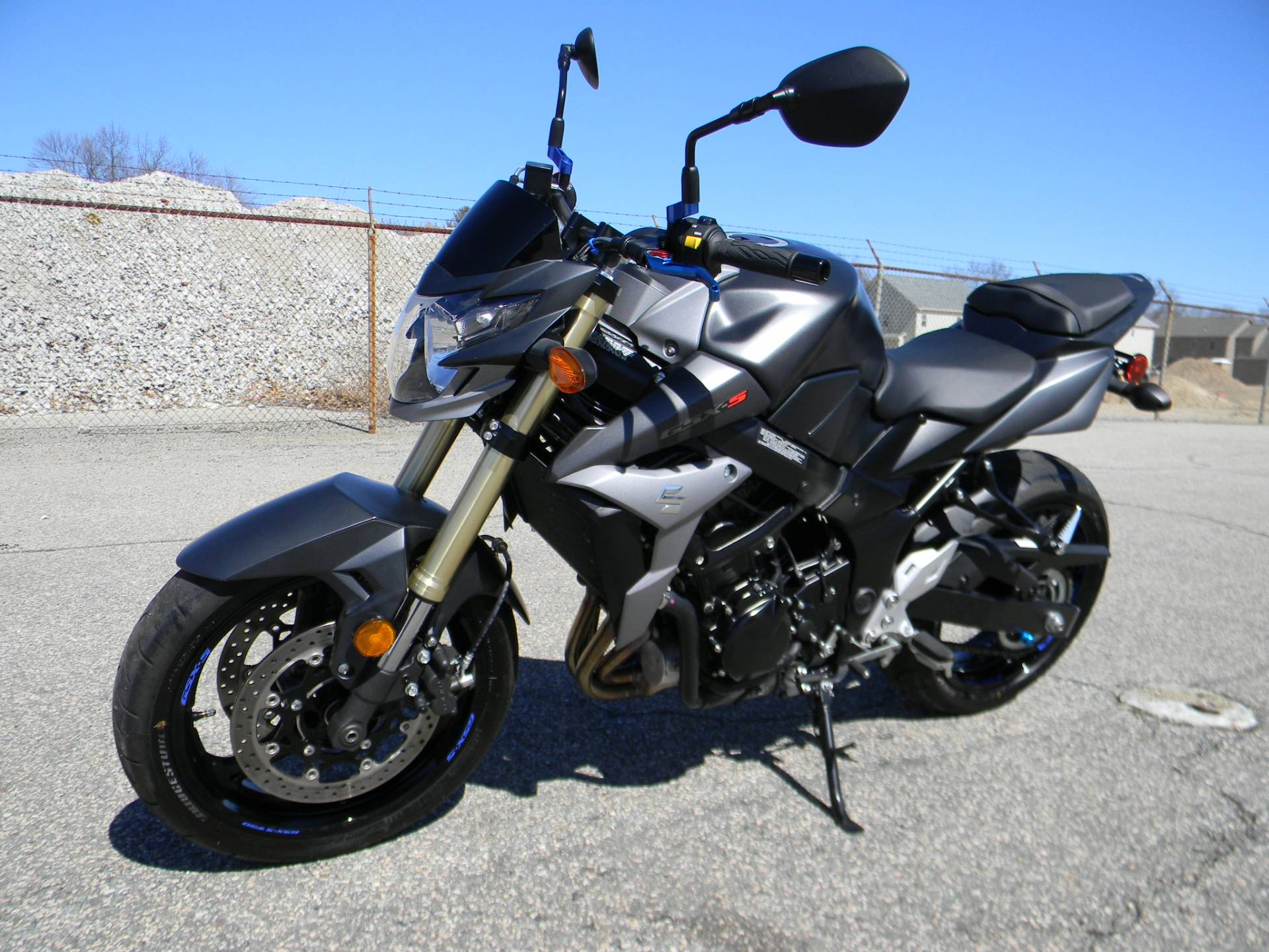 2015 Suzuki GSX-S750 in Springfield, Massachusetts - Photo 4
