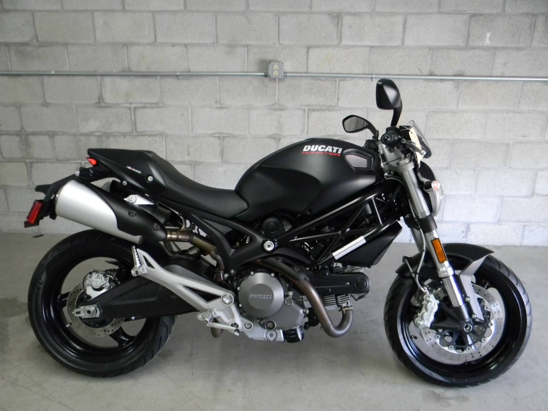 2014 Ducati Monster 696 in Springfield, Massachusetts - Photo 1