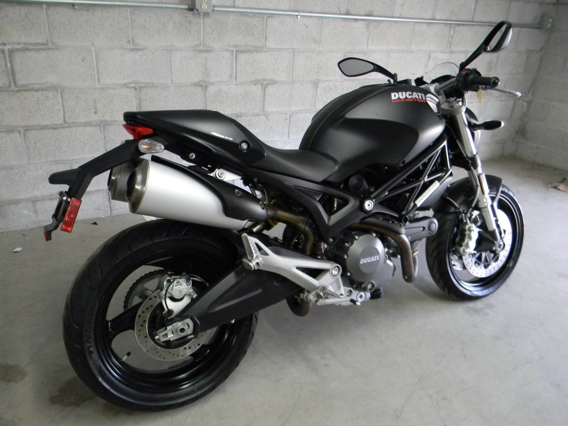 2014 Ducati Monster 696 in Springfield, Massachusetts - Photo 3
