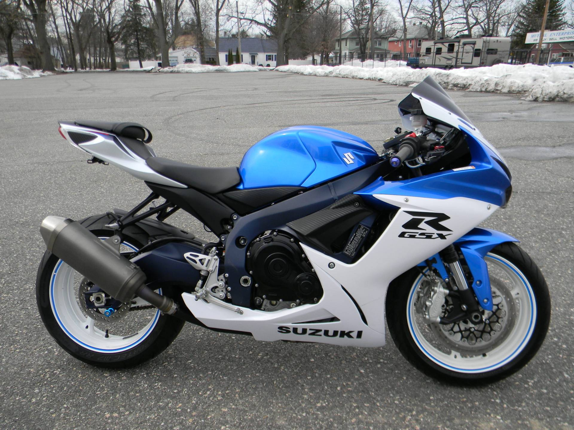 2011 Suzuki GSX-R600™ in Springfield, Massachusetts - Photo 1