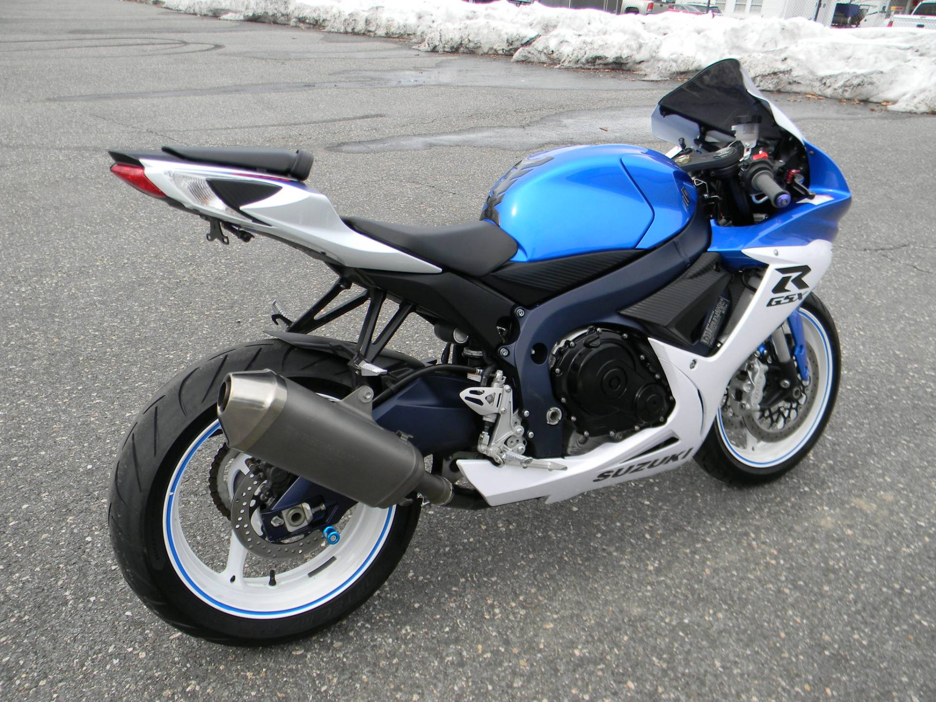 2011 Suzuki GSX-R600™ in Springfield, Massachusetts - Photo 3