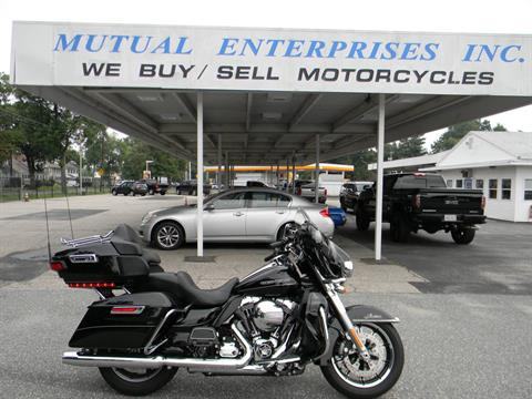 2016 Harley-Davidson Ultra Limited in Springfield, Massachusetts