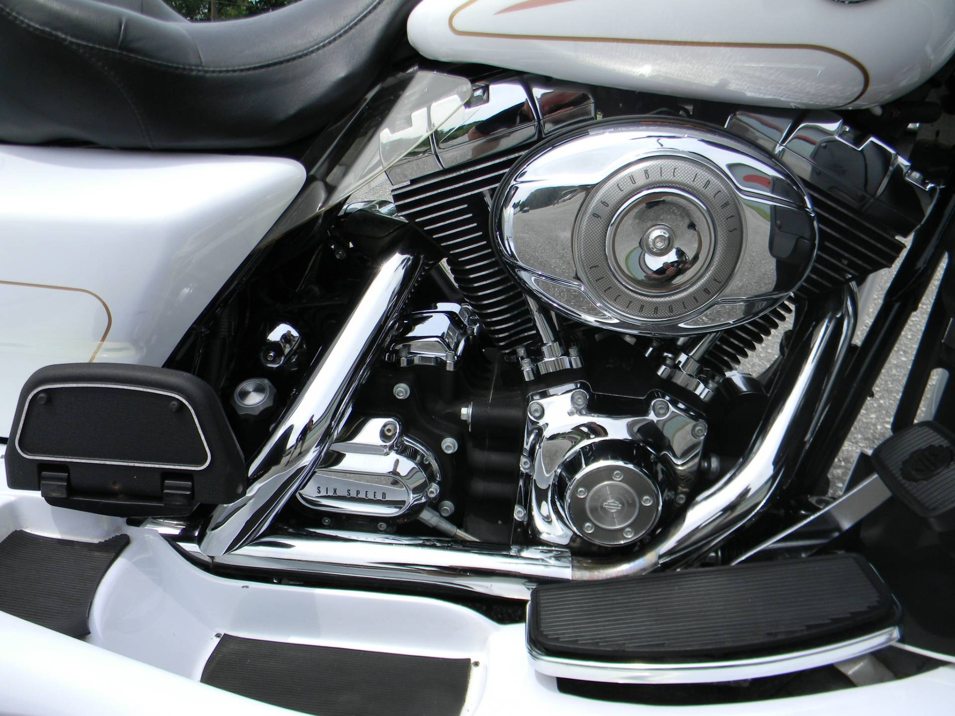 2007 Harley-Davidson Ultra Classic® Electra Glide® in Springfield, Massachusetts - Photo 4