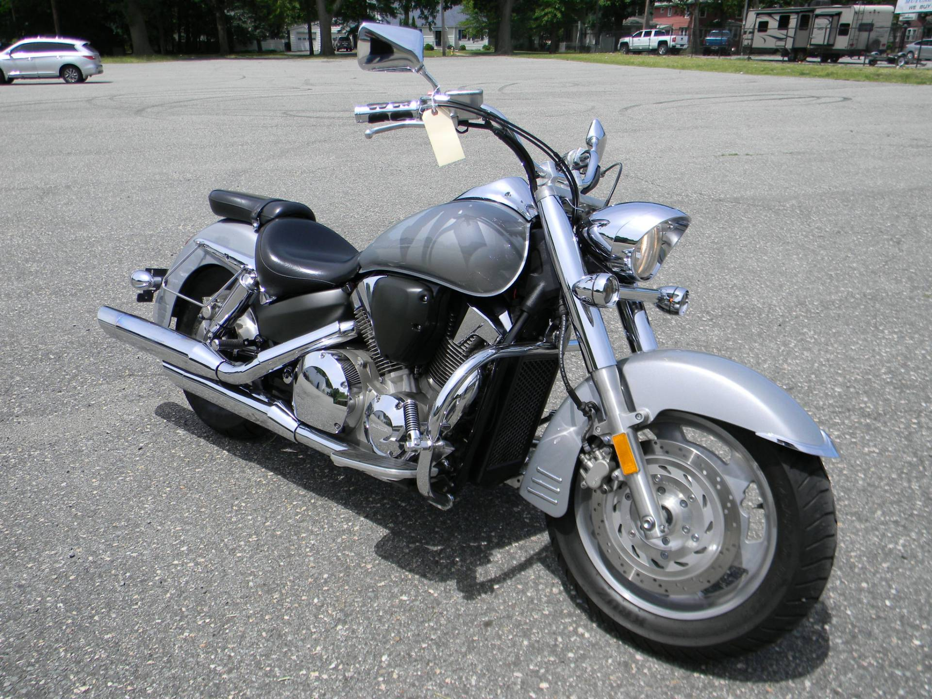 2005 Honda VTX™ 1300R in Springfield, Massachusetts - Photo 2