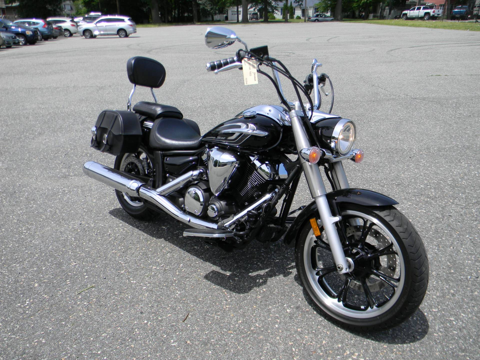 2015 Yamaha V Star 950 in Springfield, Massachusetts - Photo 2
