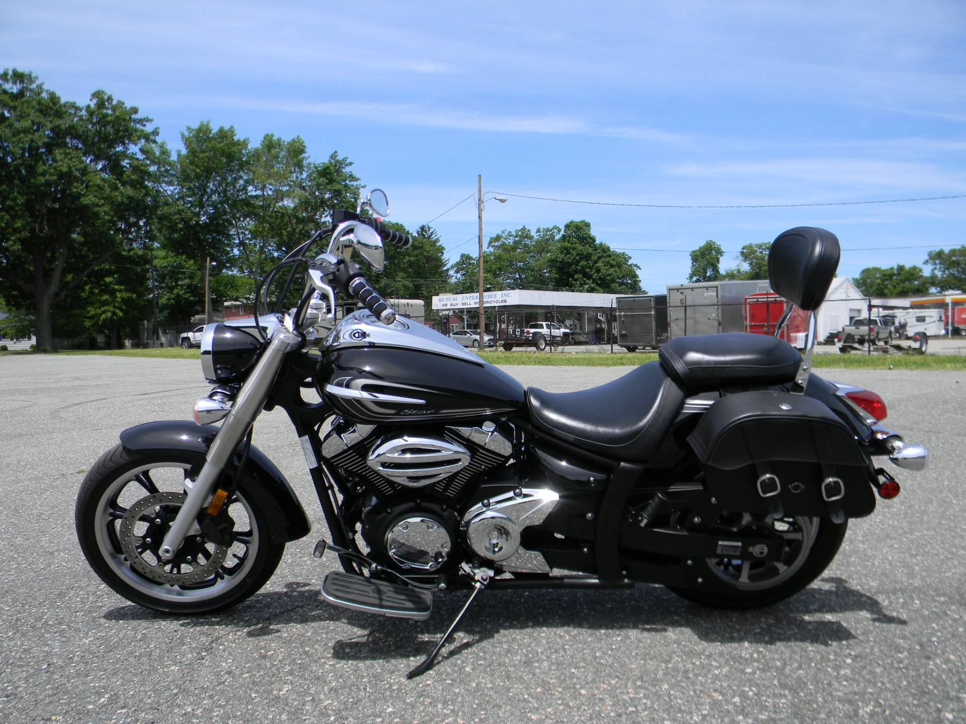 2015 Yamaha V Star 950 in Springfield, Massachusetts - Photo 6