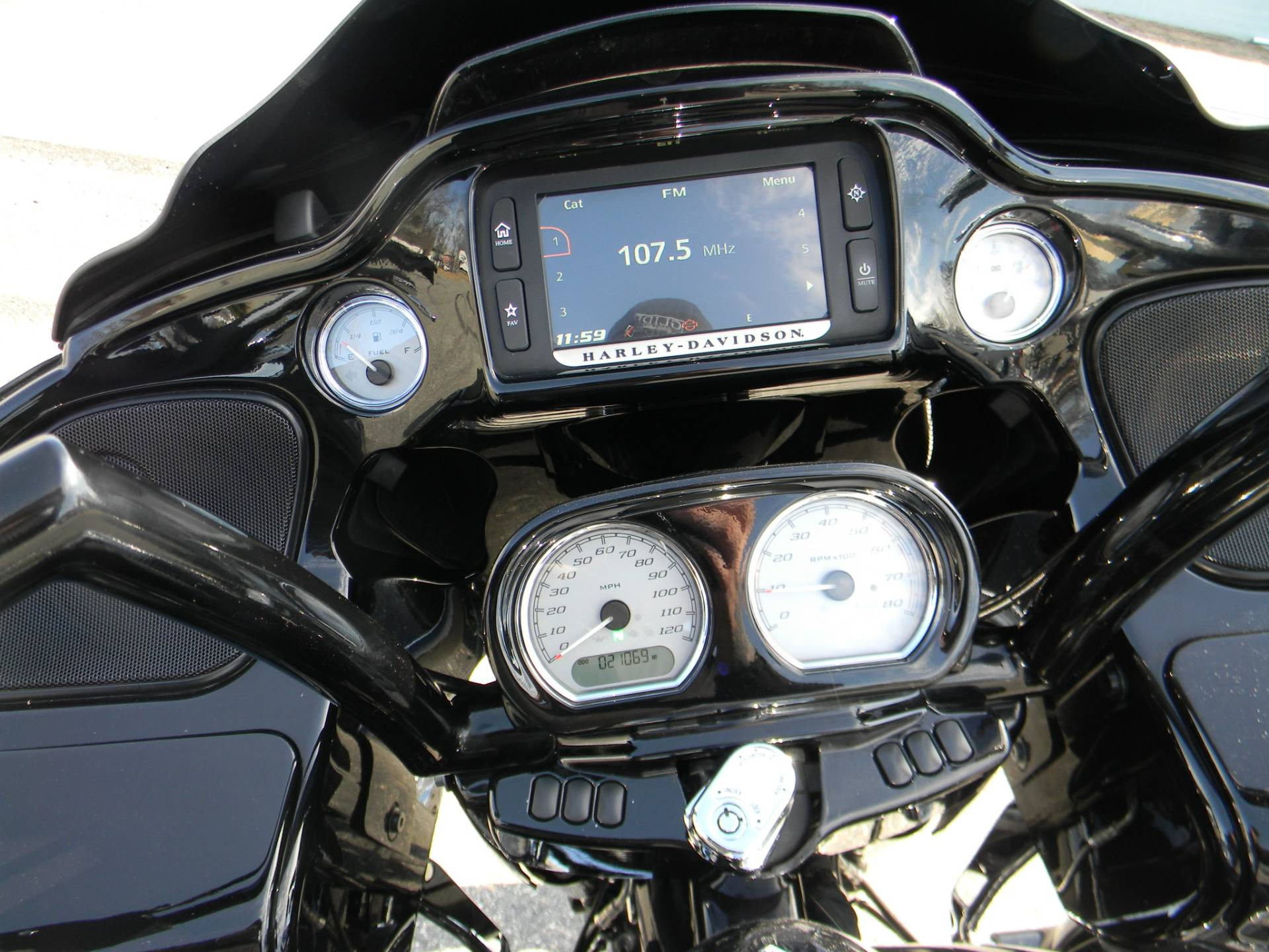 2015 Harley-Davidson Road Glide® Special in Springfield, Massachusetts - Photo 7
