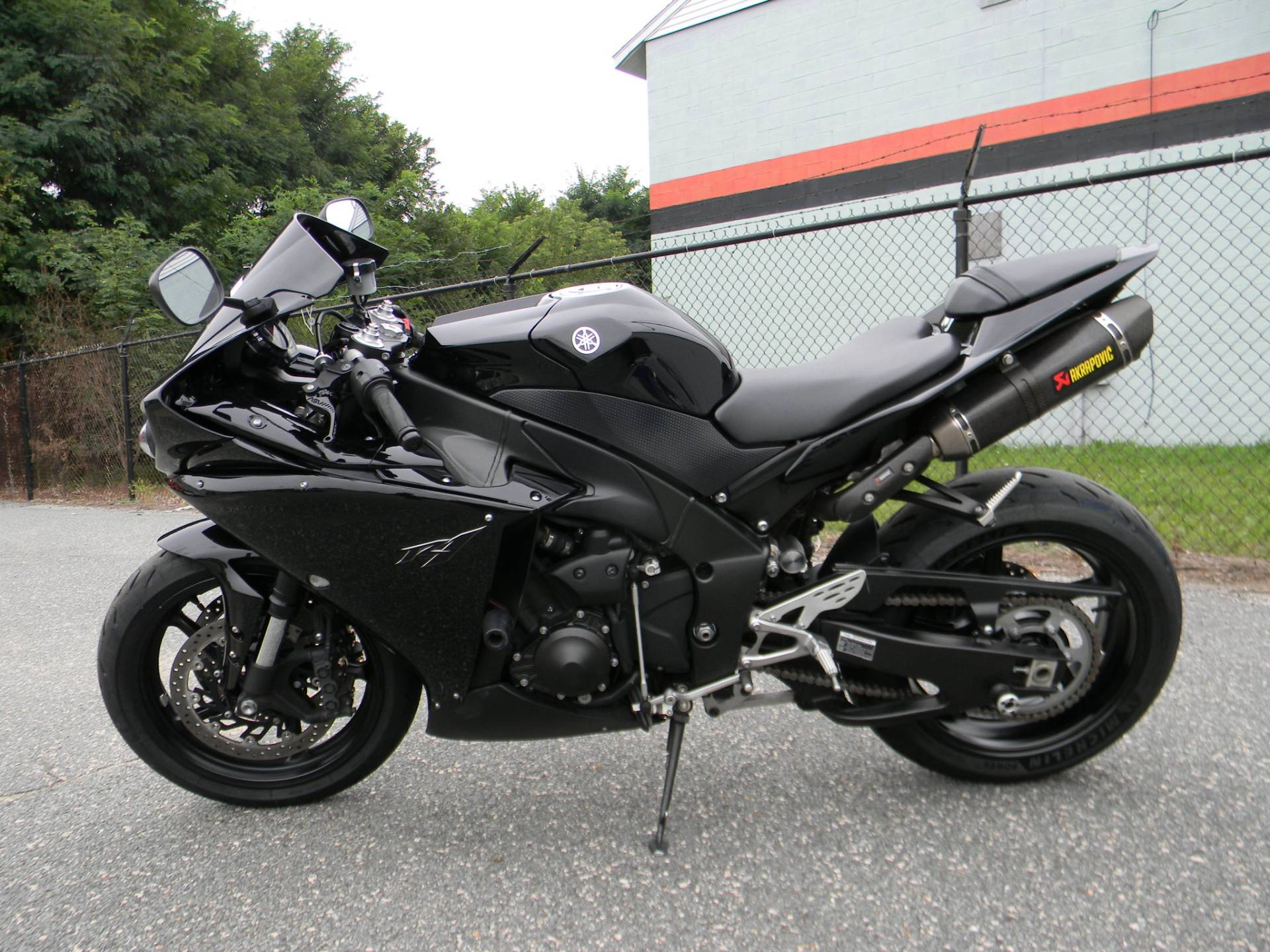 2011 Yamaha YZF-R1 in Springfield, Massachusetts