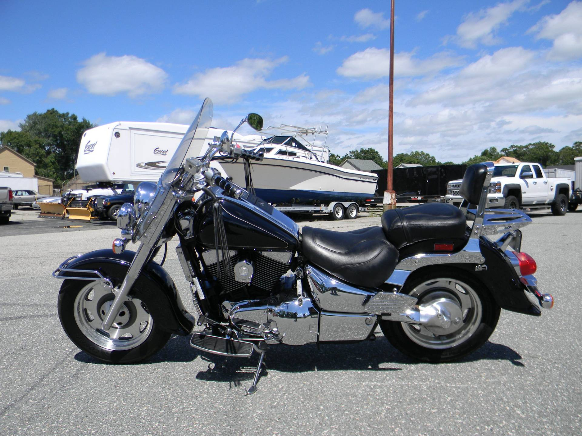 2001 Suzuki Intruder LCVL 1500 in Springfield, Massachusetts - Photo 5