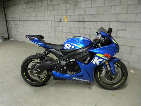 2015 Suzuki GSX-R750 in Springfield, Massachusetts - Photo 1