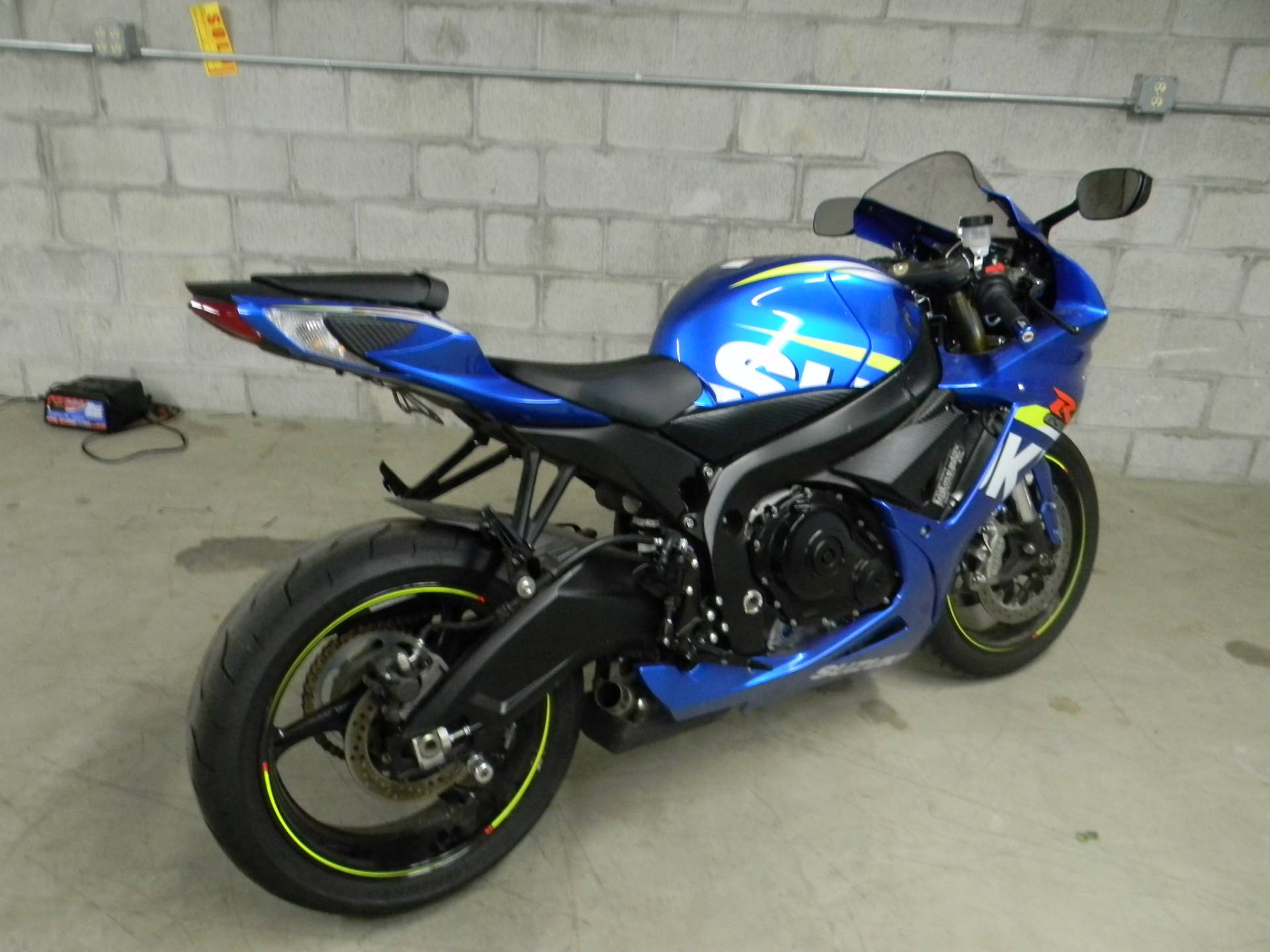 2015 Suzuki GSX-R750 in Springfield, Massachusetts - Photo 3