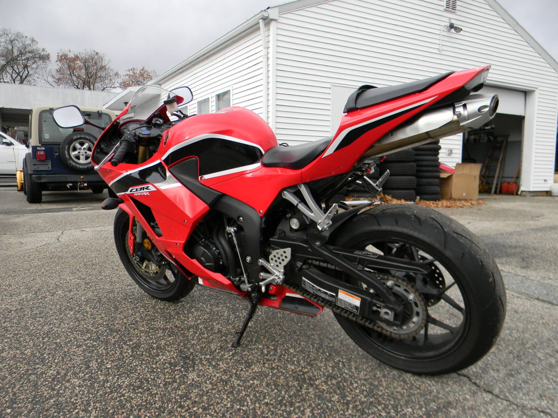 2017 Honda CBR600RR in Springfield, Massachusetts - Photo 6