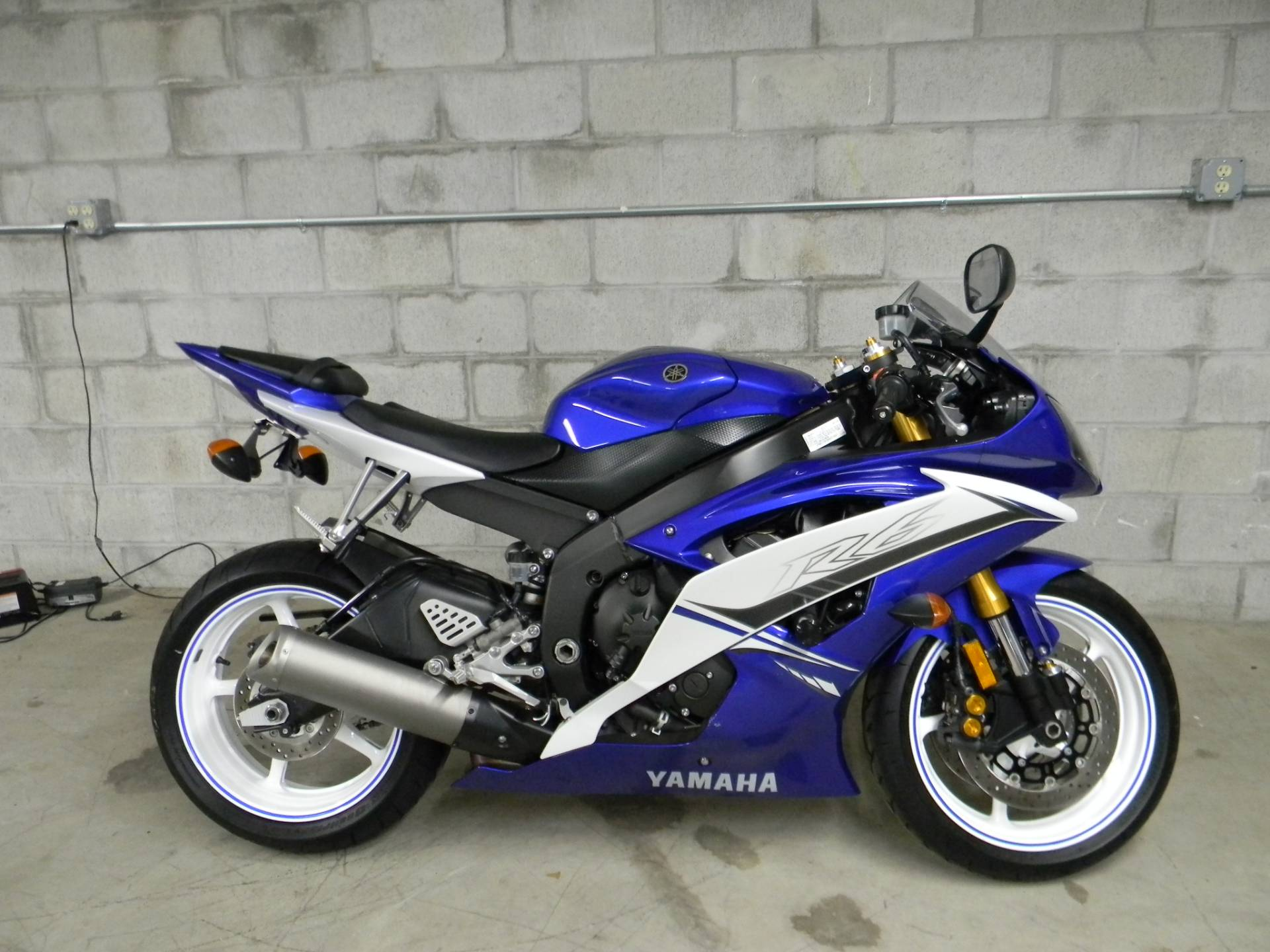2011 Yamaha YZF-R6 in Springfield, Massachusetts - Photo 1