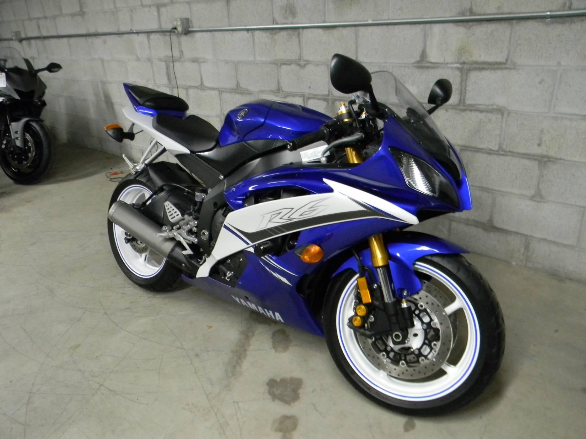 2011 Yamaha YZF-R6 2