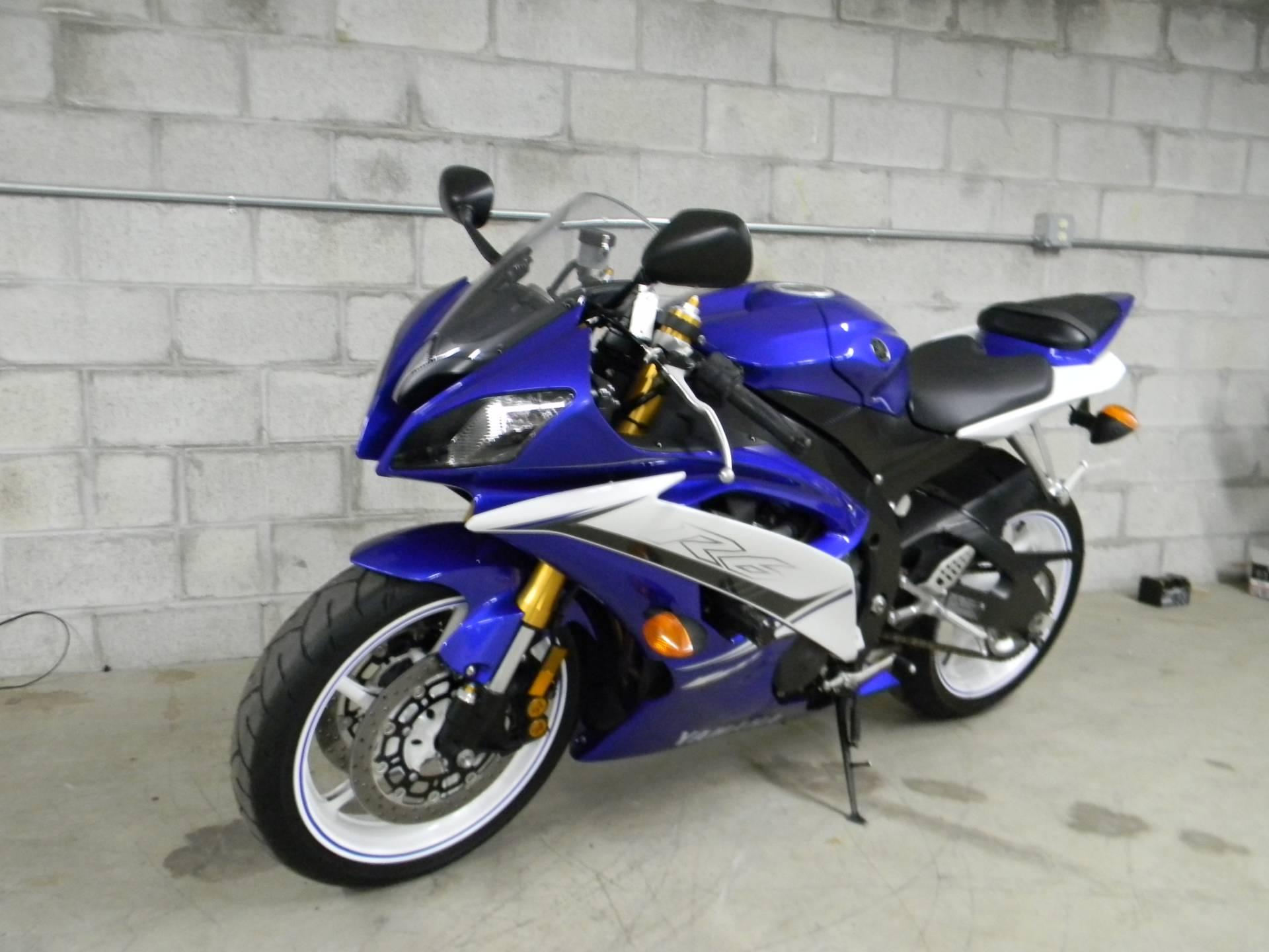 2011 Yamaha YZF-R6 4