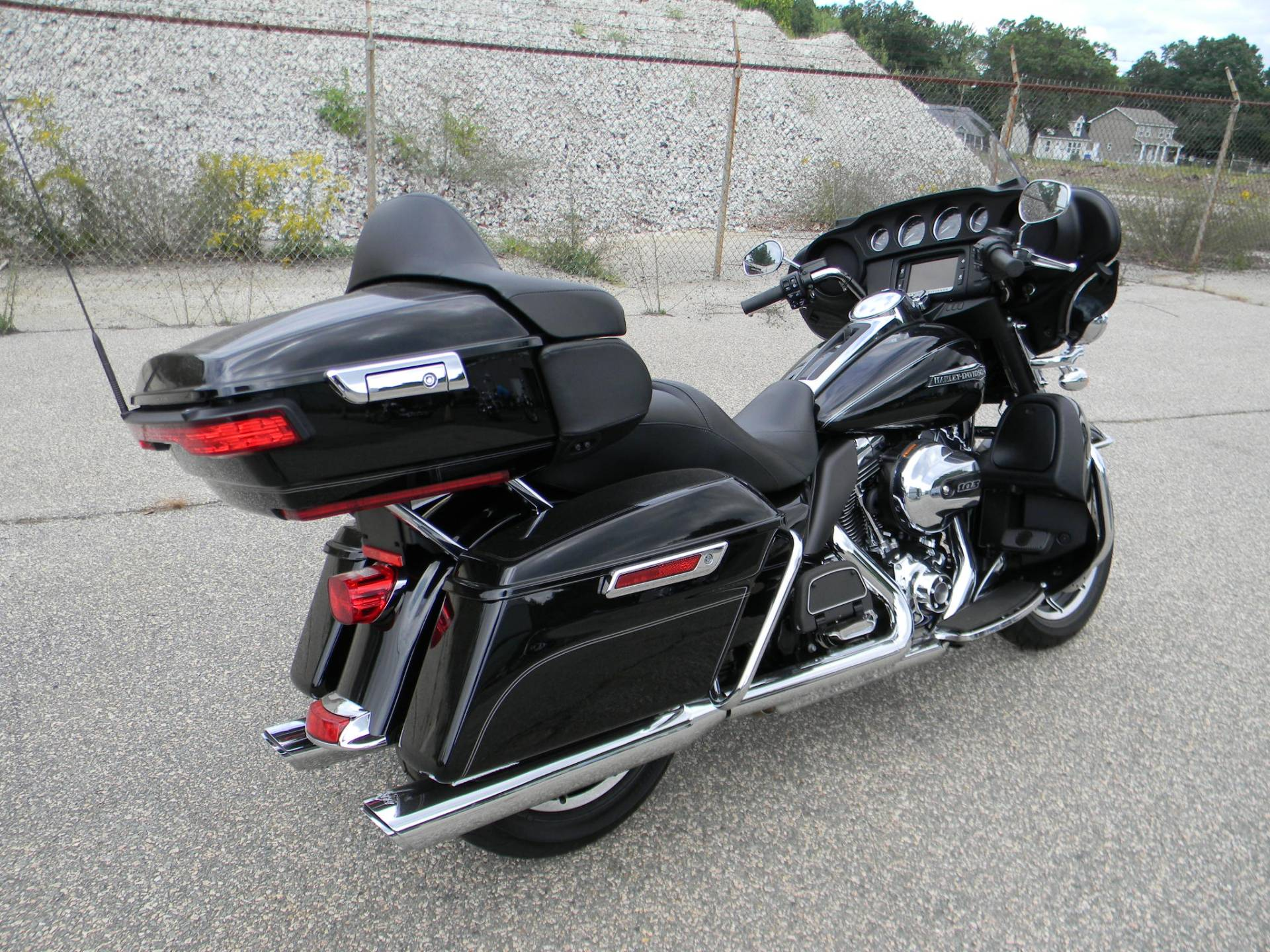 2015 Harley-Davidson Electra Glide® Ultra Classic® in Springfield, Massachusetts - Photo 3
