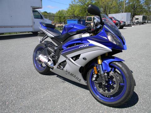 2015 Yamaha YZF-R6 in Springfield, Massachusetts - Photo 2