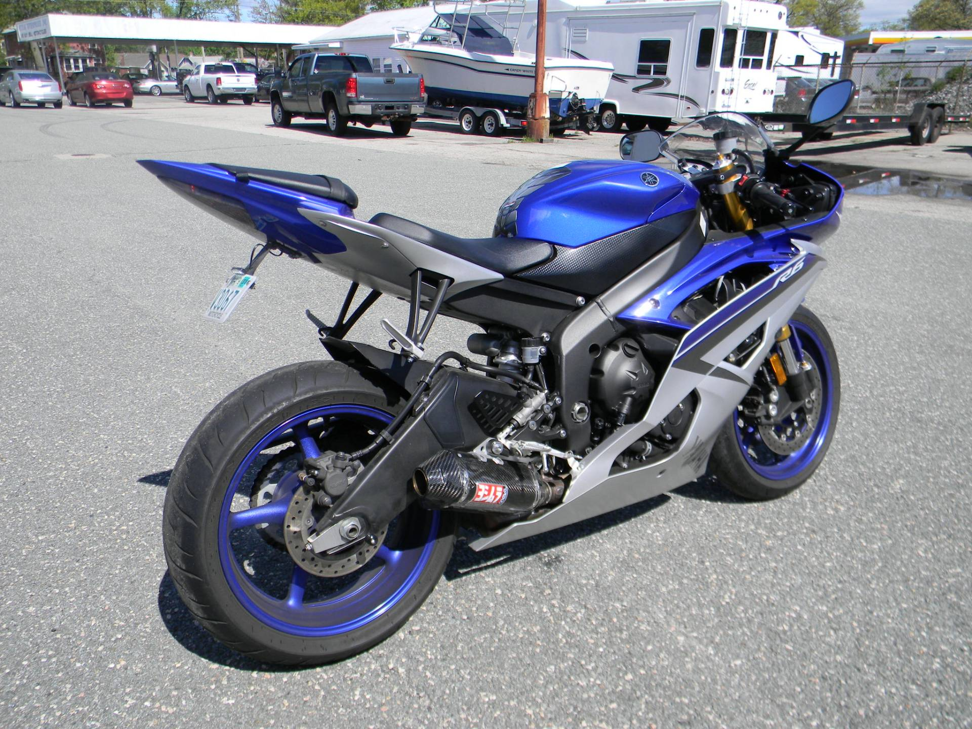 2015 Yamaha YZF-R6 in Springfield, Massachusetts - Photo 3
