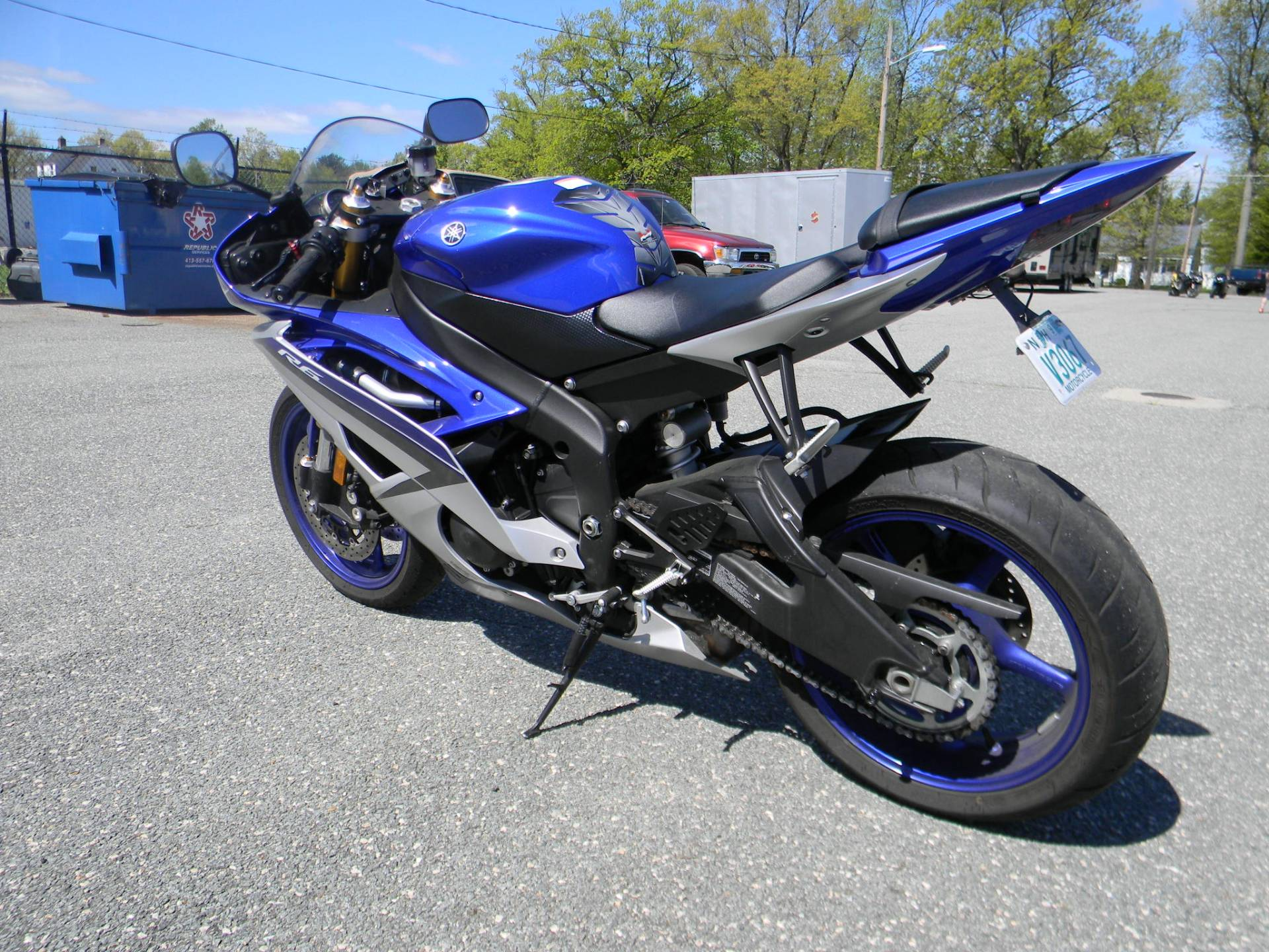 2015 Yamaha YZF-R6 in Springfield, Massachusetts - Photo 6