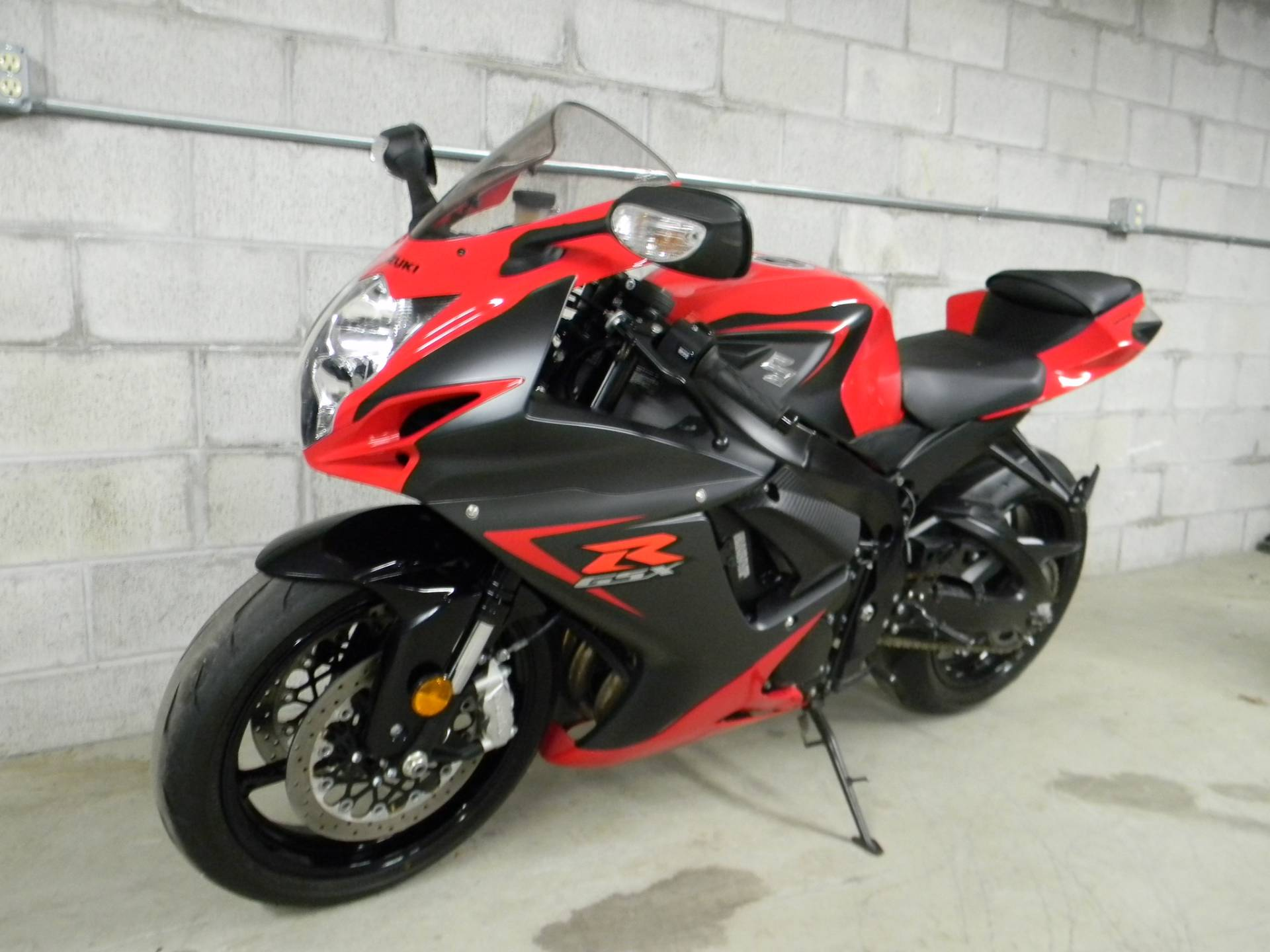 2016 Suzuki GSX-R600 in Springfield, Massachusetts