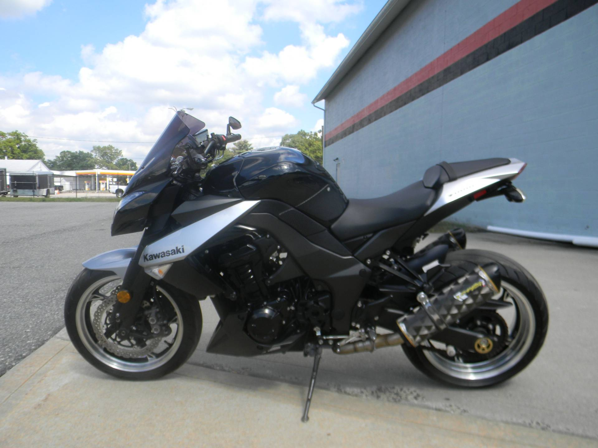 2010 Kawasaki Z1000 in Springfield, Massachusetts